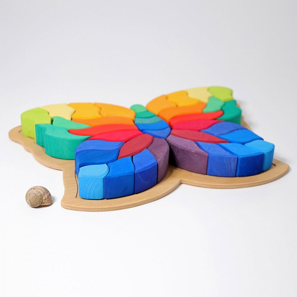 Mobilier cu sertare colorate