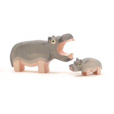 Hipopotam cu gura deschisa