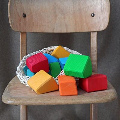 Cuburi Waldorf cu forme neregulate